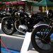Angol motorok gyászszínben