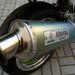 A japán gyártmányú kipufogó sajátos hangot ad a Kawának