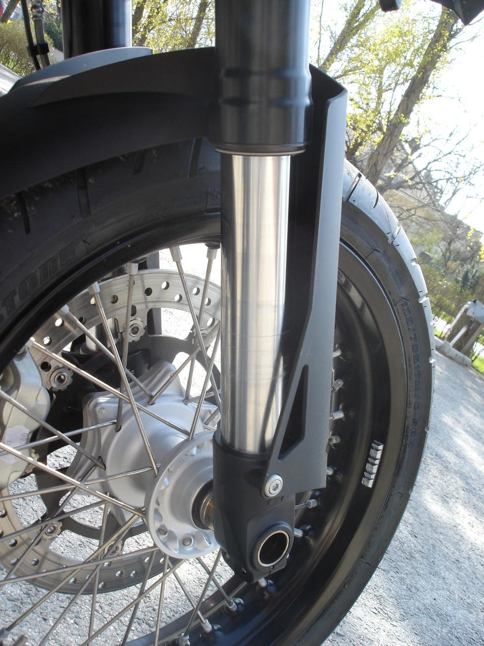 Titán-nitrid bevonat a Ducati 749 csúszószárán