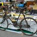 Első világháborús (pontosabban egy évvel utána készült) összecsukható Bianchi katonai kerékpár. Elöl és hátul rugózik, kovácsolt acél a hajtókarja, a fékje himbás-rudazatos, talán még váltója is van, simán elhinném róla. 2800 euró