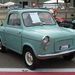 Vespa 400 kisautó. Belül nem volt teljesen kerek, de nagy ritkaság. Franciaországban készült, motorja kéthengeres, kétütemű, 12 500 euróért mérték