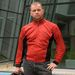 Íme a legmárkásabb cuccom, a piros nyári protektoros kabát. Csinos, karcsúsító fekete betéttel az oldalán
