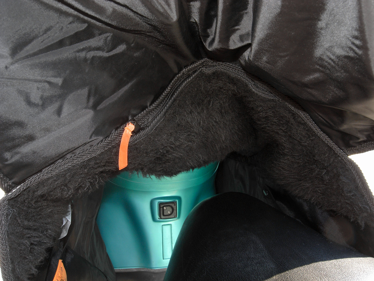 Hazaútra felkészítve a Kangoo gyomrában