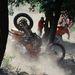 Egy résztvevő elesik motorjával a Siroki Motoros Találkozón rendezett motoros hegymászó (hillclimb) versenyen 2012. július 28-án. MTI Fotó: Komka Péter