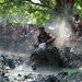 Egy résztvevő halad motorjával a Siroki Motoros Találkozón rendezett iszapgyorsulási versenyen 2012. július 28-án. MTI Fotó: Komka Péter