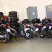 Yamaha YBR 125-ök, Suzuki Sixteenek, két Honda SH és Yamaha X-City