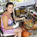 Fényező művésznő Tarazban
