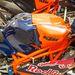 A kék-narancs fényezés nagyon jól áll a Moto3-as gépeknek