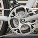 A legendás Shimano 600 lánctányér mintája visszaköszön a műanyag lánctakarón