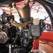 Holley karburátor és a visszatérő korona motívum