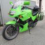 A zöld motoridom egy ilyen GPZ500S-ről származik. A motor nagyjából félmilliót érhet és körülbelül kétszázezer lenne hozzá a gyári új fejidom