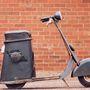 A világ első, fokozatmentes automataváltóval szerelt robogója a Salsbury Motor Glide a harmincas évekből
