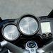 Yamaha: a két analóg óra könnyen leolvasható