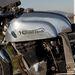 Az Ágoston Roni által készített alumínium tankhoz nagyon jól passzol a modernebb Suzuki blokk