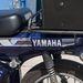 A Yamaha felirat a szerszámtartót takarja