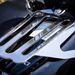 Hasznos, de giccses II. : sokat ront a motor sziluettjén a csomagtartó is, épp eltakarja a szépen ívelt hátsó sárvédőt